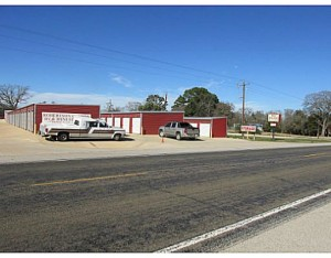 1736 W. US Hwy 79  Franklin, TX 77856 photo